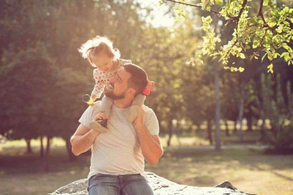 Le congé parental : l'évolution d'un acquis social
