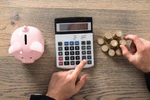 Consultant freelance : comment moins dépenser dans son activité ?