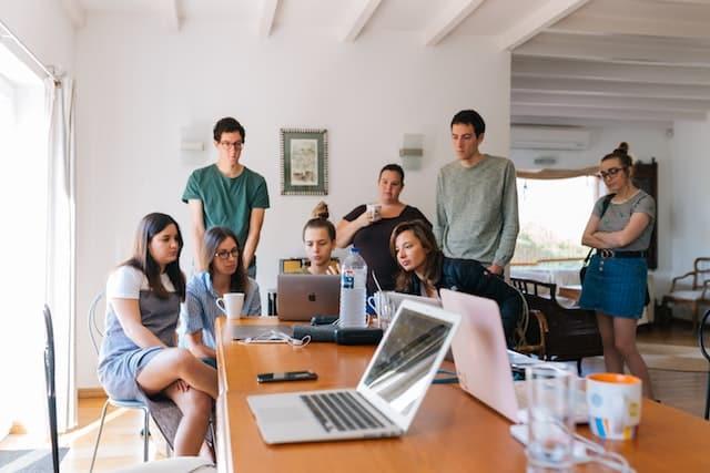 Le portage salarial : une solution de choix pour les jeunes diplômés