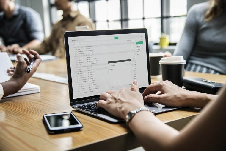 Comment faire une reconversion professionnelle dans un métier du digital ?