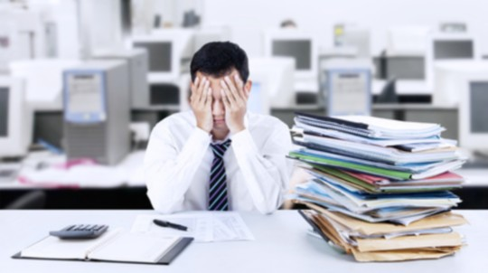 Emploi et sous-effectif : des cadres débordés, impact sur la productivite des entreprises - © Creativa - Fotolia.com